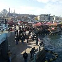 1/20/2013 tarihinde Ramazan K.ziyaretçi tarafından Tarihi Eminönü Balık Ekmek'de çekilen fotoğraf
