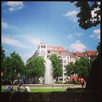 Das Foto wurde bei Viktoria-Luise-Platz von Rebecca H. am 5/17/2013 aufgenommen