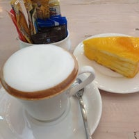 Photo taken at ESCAPE Bistro & Café by Yingyui K. on 10/22/2012