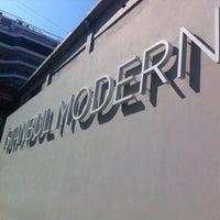 4/25/2013 tarihinde guven u.ziyaretçi tarafından Restoran İstanbul Modern'de çekilen fotoğraf