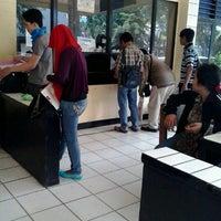 Photo prise au Polsek Bekasi Kota par adji r. le10/12/2012