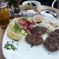 Photo prise au Café Istanbul Bistro par Buse A. le7/14/2013