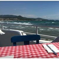 Das Foto wurde bei Meandros Restaurant von Zeliha M. am 5/22/2017 aufgenommen