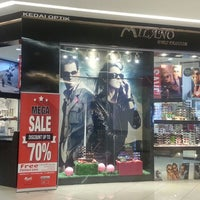 Photo taken at Alor Setar Mall by Bolton Optical on 4/20/2017