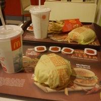 Photo taken at McDonald's by Arik T. on 8/28/2013