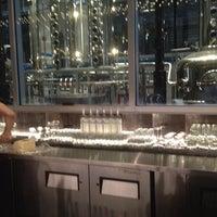 10/17/2013 tarihinde Tyler B.ziyaretçi tarafından CH Distillery & Cocktail Bar'de çekilen fotoğraf