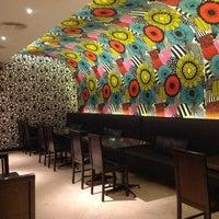 Das Foto wurde bei Books@cafe von Manila B. am 12/16/2012 aufgenommen