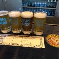8/12/2018 tarihinde Chris M.ziyaretçi tarafından Half Acre Beer Company Balmoral Tap Room & Barden'de çekilen fotoğraf
