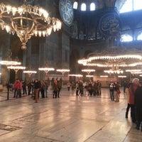 Das Foto wurde bei Ayasofya Müzesi Padişah Türbeleri von Mehmet E. am 12/7/2012 aufgenommen