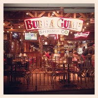 Photo taken at Bubba Gump Shrimp Co. by Bar S. on 1/19/2013