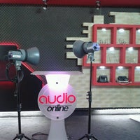 Photo taken at AudioOnline by Fito G. on 4/2/2013