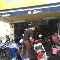 Photo taken at Kedai Motosikal Hweng Ho Motor by Khairul Z. on 1/10/2014