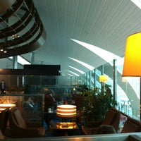 Photo taken at Emirates Business Class Lounge by Askanio A. on 12/24/2012