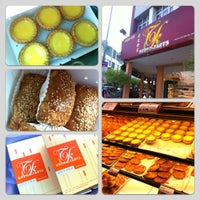 Photo taken at Tong Kee Bread & Tarts by Fyn S. on 10/3/2012