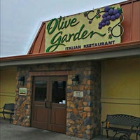 Photo taken at Olive Garden by Black S. on 12/23/2012