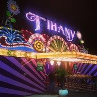 Photo taken at Circo Tihany Spectacular by Fábio C. on 9/13/2013