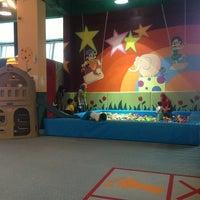 Photo taken at Kizsports & Gym by Setinna L. on 3/31/2013