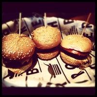 12/11/2012 tarihinde Ecem K.ziyaretçi tarafından Burger House'de çekilen fotoğraf