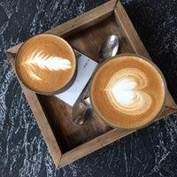 Foto scattata a Café Capitale da Elina E. il 6/7/2018