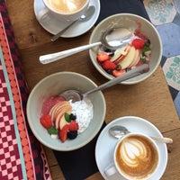 Foto scattata a MOK Specialty Coffee Roastery & Bar da Elina E. il 6/6/2018