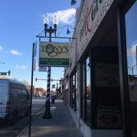 Foto scattata a Tony's Italian Deli and Subs da Michael il 1/16/2016