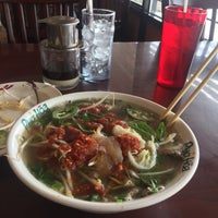 Photo taken at Pho Hoa Noodle Soup by Jared S. on 7/11/2017