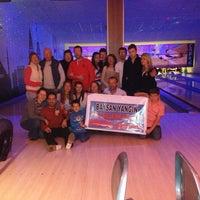 Foto tirada no(a) Shey Bowling & Cafe por Doğancan🔰 em 2/10/2013