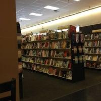 Photo taken at Books-A-Million by Aki E. on 1/8/2013