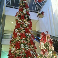 Foto tirada no(a) Parquecentro Shopping por Kelly V. em 11/22/2012