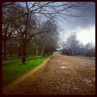 Foto tomada en Hyde Park Corner por Twins S. el 4/14/2013