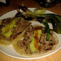 Foto tomada en Tacos Providencia por Laura R. el 2/3/2013