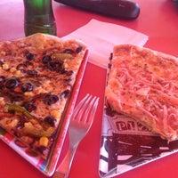 Das Foto wurde bei La Pizzería del Barrio von Desiree G. am 5/8/2014 aufgenommen