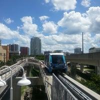 Photo taken at MDT Metromover - Brickell Station by Timur A. on 5/4/2013