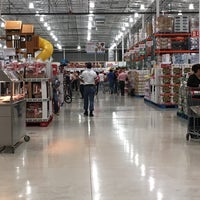 Photo taken at Costco by Luis O. on 11/30/2015