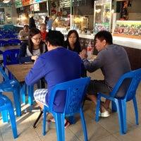 Photo taken at ศูนย์อาหาร ปตท.บางปะอิน ไฮเทคฯ by ReviewbyBiere .. on 12/14/2014