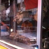 Photo taken at ข้าวมันไก่ตอน พัฒนาการ 53 by ReviewbyBiere .. on 4/17/2014
