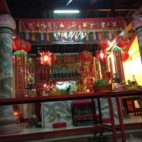 Photo taken at ศาลเจ้าพ่อกระโจมทอง by Nutdanai C. on 2/8/2013