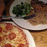 Photo taken at Uno Pizzeria & Grill - Columbia by Kara E. on 7/5/2013