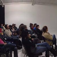 Foto tomada en Labloom Escuela de Fotografia y Artes Visuales por Fabian A. el 5/8/2013