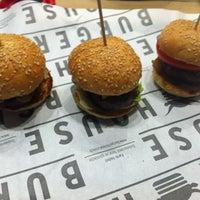 12/17/2012 tarihinde Burcin G.ziyaretçi tarafından Burger House'de çekilen fotoğraf