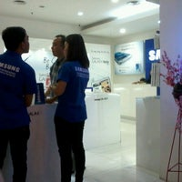 Photo taken at Samsung mobile by Sabrina Yodie S. on 12/14/2012