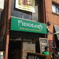 Foto tomada en Fiddlers Irish Bar  por Jorge R. el 4/15/2013
