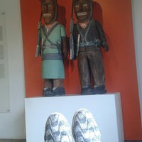 Photo taken at Museu Casa do Pontal by Zildocah M. on 4/30/2014