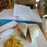 Photo taken at Sidamo Coffee & Tea by Grace Y. on 12/26/2013