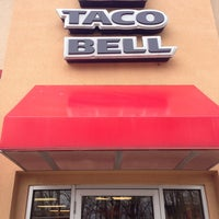 Photo taken at Taco Bell by Ernesto M. on 2/26/2013