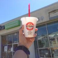 Photo taken at Robeks Fresh Juices & Smoothies by tharathon r. on 5/26/2013