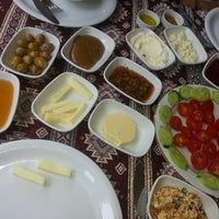 รูปภาพถ่ายที่ Dalakderesi Restaurant โดย 👑 เมื่อ 6/9/2013