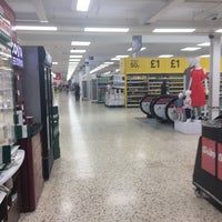Photo taken at Tesco by Duck W. on 7/1/2017