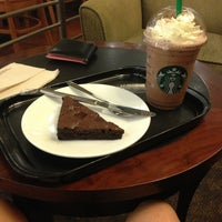 Photo taken at Starbucks by Fiat A. on 12/25/2012