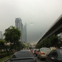 Photo taken at King Taksin Bridge by ✨Nu nok✨ on 6/12/2013